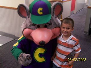 blurry pic with the mousey dude